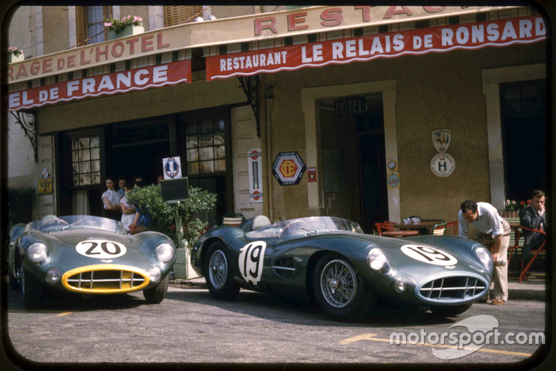 Aston martin racing at the hotel de france in le mans in for Hotels le mans