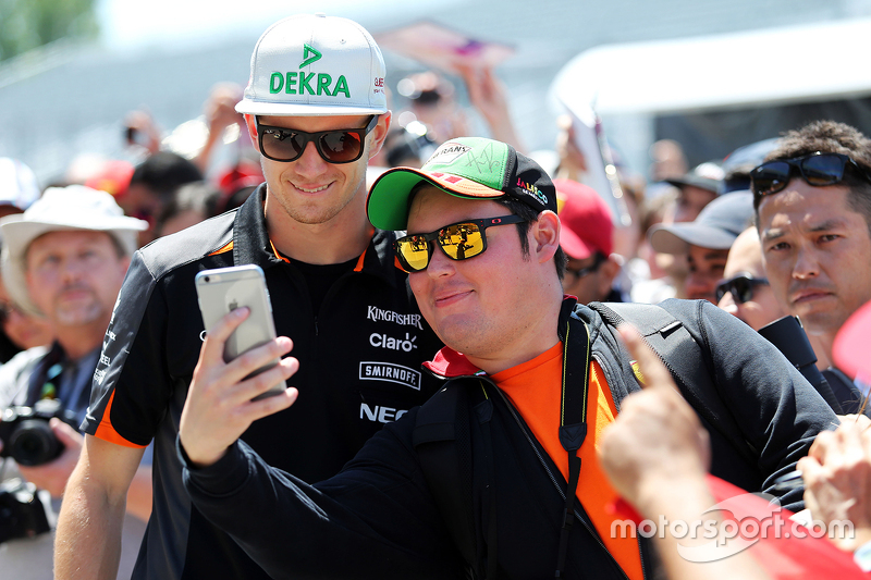 Nico Hülkenberg, Sahara Force India F1, mit Fans