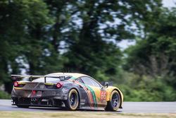 #66 JMW Motorsport Ferrari 458 GTE: Abdulaziz Al Faisal, Jakub Giermaziak, Michael Avenatti
