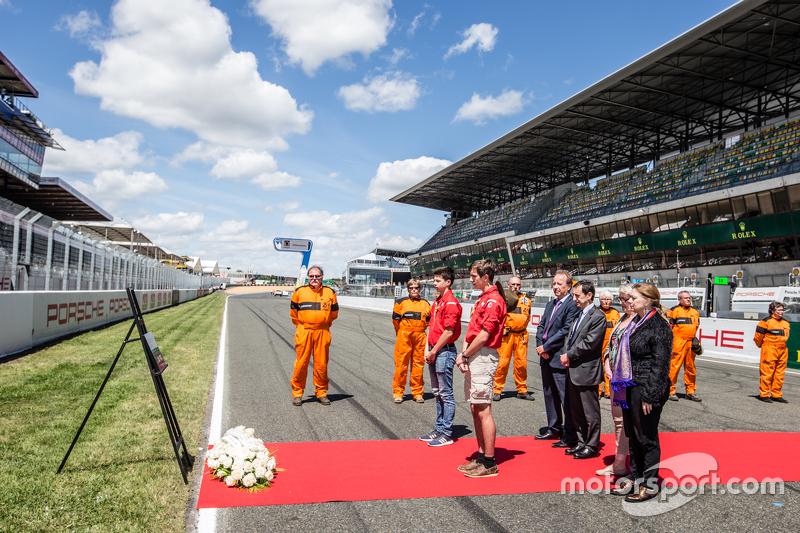 Zeremonie zum Gedenken an die Tragödie bei den 24 Stunden von Le Mans 1955: ACO-Präsident Pierre Fillon