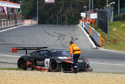 #4 Belgian Audi Club Team WRT Audi R8 LMS Ultra: Frank Stippler, James Nash keluar dari lomba setela