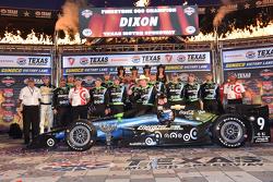 Ganador de la carrera Scott Dixon, Chip Ganassi Racing Chevrolet