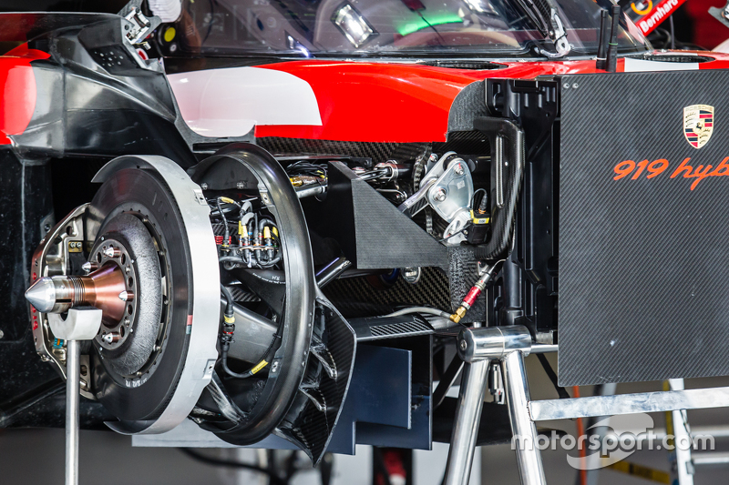 #17 Porsche Team, Porsche 919 Hybrid Detail der Vorderradbremse