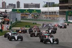 Lewis Hamilton, Mercedes AMG F1 W06 en el inicio de la carrera