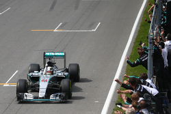 Podium: First place Lewis Hamilton, Mercedes AMG F2