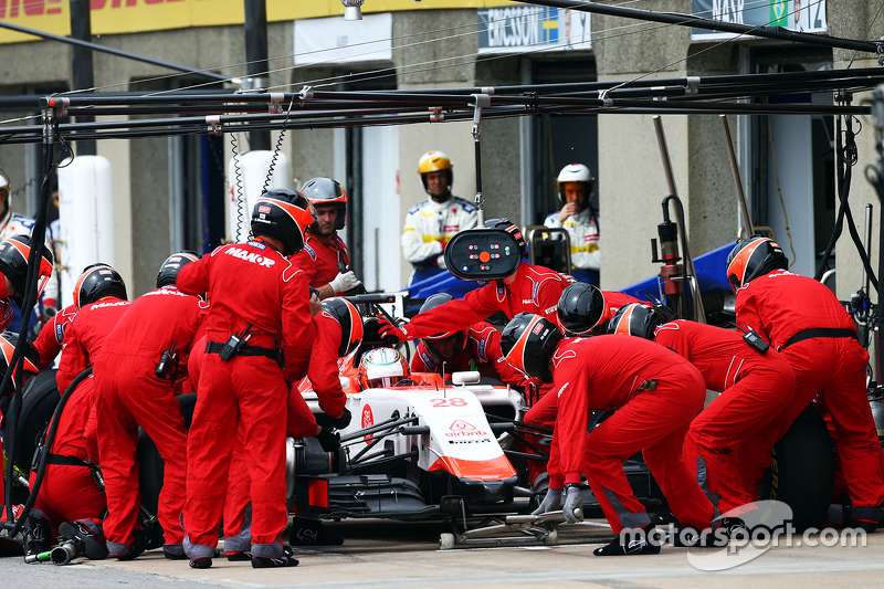 Will Stevens, Manor Marussia F1 Team melakukan pit stop