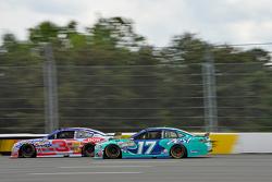 Austin Dillon, Richard Childress Racing, Chevrolet, und Ricky Stenhouse jr., Roush Fenway, Ford
