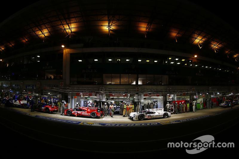#17 Porsche Team Porsche 919 Hybrid: Timo Bernhard, Mark Webber, Brendon Hartley y #19 Porsche Team