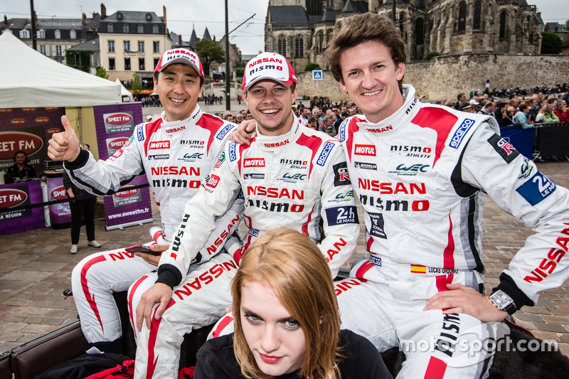 #21 Nissan Motorsports, Nissan GT-R LM NISMO: Tsugio Matsuda, Mark Shulzhitskiy und Lucas Ordonez