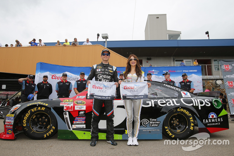 Polesitter Kasey Kahne, Hendrick Motorsports Chevrolet with Miss Coors Light