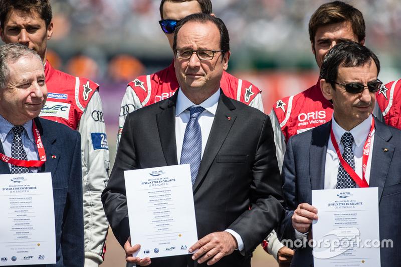 FIA-Aktion für Sicherheit im Straßenverkehr, Fotoshooting: FIA-Präsident Jean Todt, Frankreichs Präsident François Hollande und ACO-Präsident Pierre Fillon