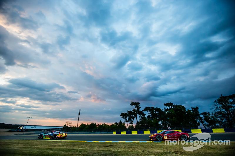 #71 AF Corse, Ferrari 458 GTE: Davide Rigon, James Calado, Olivier Beretta und #62 Scuderia Corsa, Ferrari 458 GTE: Bill Sweedler, Townsend Bell, Jeff Segal