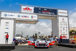 Podium: 3. Thierry Neuville und Nicolas Gilsoul, Hyundai i20 WRC, Hyundai Motorsport