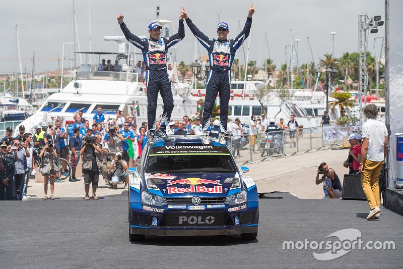 Podium: 1. Sébastien Ogier und Julien Ingrassia, Volkswagen Polo WRC, Volkswagen Motorsport