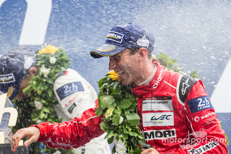 LMP1 podium: champagne for Timo Bernhard
