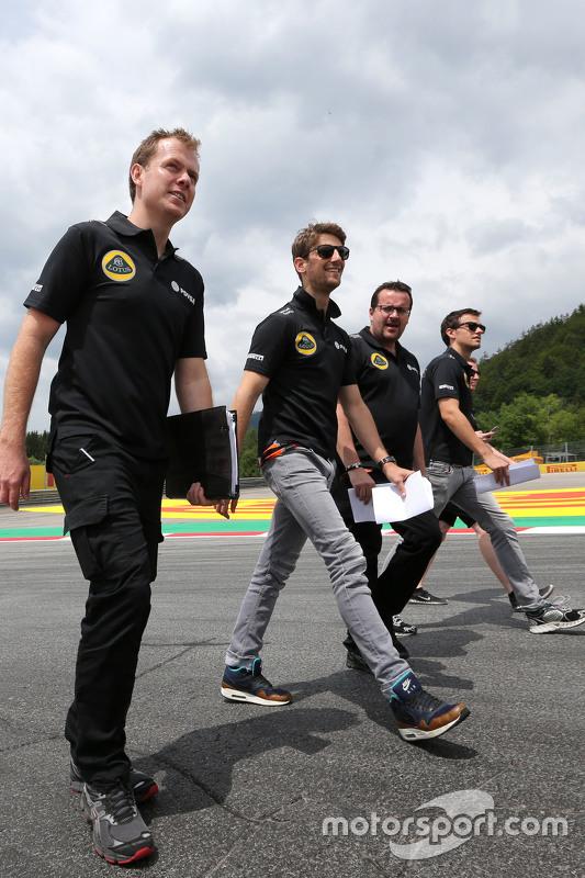 Romain Grosjean, Lotus F1 Team, Julien Simon-Chautemps, Romain Grosjean race engineer, Lotus F1 Team  and Jolyon Palmer, Lotus F1 Team