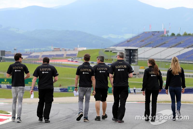 Jolyon Palmer, Lotus F1 Team, Julien Simon-Chautemps, engenheiro de Romain Grosjean, Lotus F1 Team