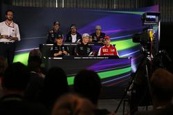Daniel Ricciardo, Red Bull Racing; Ferndano Alonso, McLaren; Carlos Sainz Jr., Scuderia Toro Rosso; Nico Rosberg, Mercedes AMG F1; Nico Hulkenberg, Sahara Force India F1; Sebastian Vettel, Ferrari