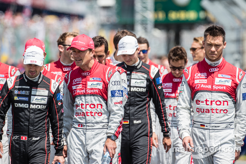 Drivers head to the FIA photoshoot: Neel Jani, Marcel Fässler and Andre Lotterer
