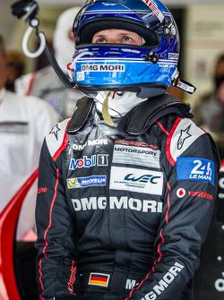 #18 Porsche Team Porsche 919 Hybrid: Marc Lieb