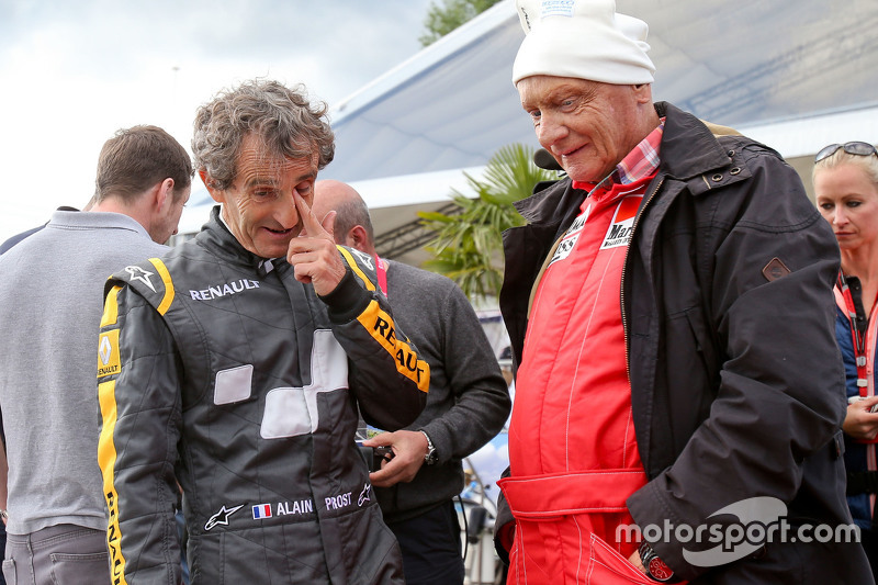 Alain Prost, with Niki Lauda, Mercedes Non-Executive Chairman at the Legends Parade