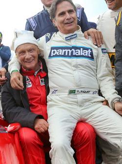 Niki Lauda, Mercedes y Nelson Piquet, en el desfile de leyendas