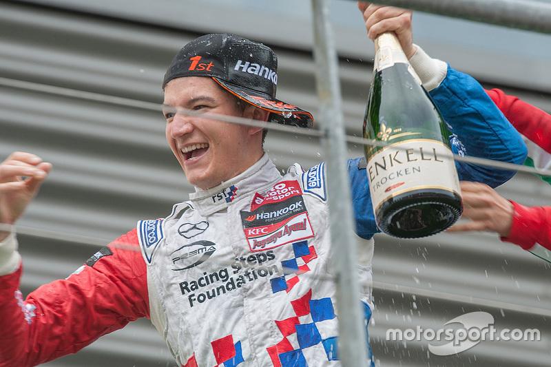 1. Jake Dennis, Prema Powerteam, Dallara F312 - Mercedes-Benz