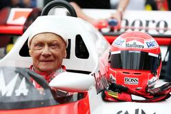 Niki Lauda, Mercedes no desfile das lendas