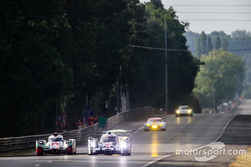 #9 Audi Sport Team Joest Audi R18 e-tron quattro: Рене Раст, Філіпе Альбукерке, Марко Бонаномі, #18