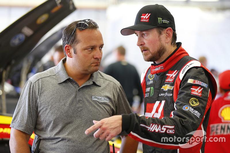 Kurt Busch, Stewart-Haas Racing, Chevrolet, und Greg Zipadelli