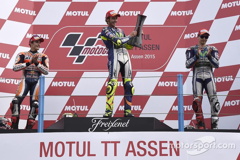 Podio: ganador de la carrera de Valentino Rossi, segundo lugar de Marc Márquez, el tercer lugar Jorge Lorenzo