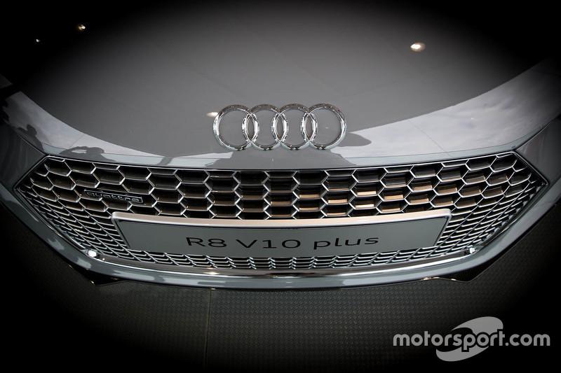 Detail lebih Audi R8 10