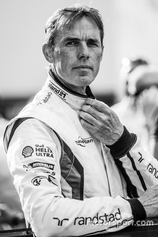 #26 Marc VDS Racing, BMW Z4 GT3: Dirk Adorf