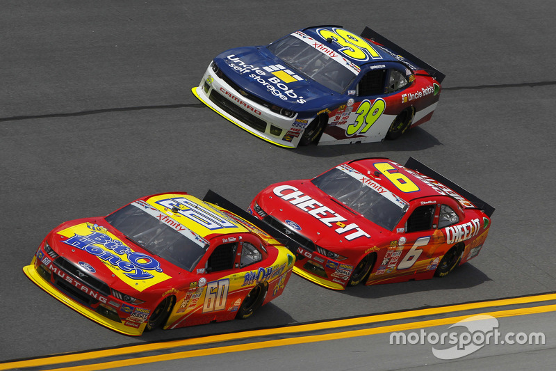 Chris Buescher, Roush Fenway Racing Ford, Darrell Wallace Jr., Roush Fenway Racing Ford dan Ryan Sie