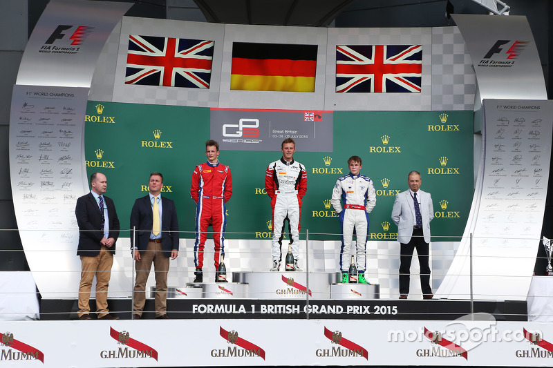 Podium: 2. Emil Bernstorff, Arden International; 1. Marvin Kirchhöfer, ART Grand Prix, und 3. Matthew Parry, Koiranen GP