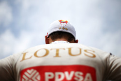 Пастор Мальдонадо, Lotus F1 Team на стартовой решетке