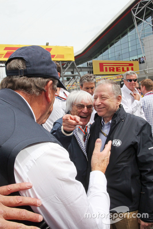 Nigel Mansell, with Bernie Ecclestone, and Jean Todt, FIA President on the grid