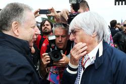 Жан Тодт, президент FIA и Берни Экклстоун на стартовой решетке