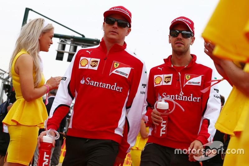 Kimi Räikkönen, Ferrari, mit Sebastian Vettel, Ferrari, bei der Fahrerparade