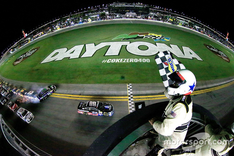 Dale Earnhardt Jr., Hendrick Motorsports Chevrolet wins, while Denny Hamlin, Joe Gibbs Racing Toyota spins
