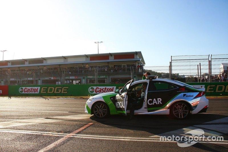 Mobil medis V8 Supercar