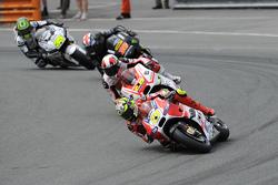 Andrea Iannone, Ducati Team y Yonny Hernández, Pramac Racing Ducati y Bradley Smith, Tech 3 Yamaha,