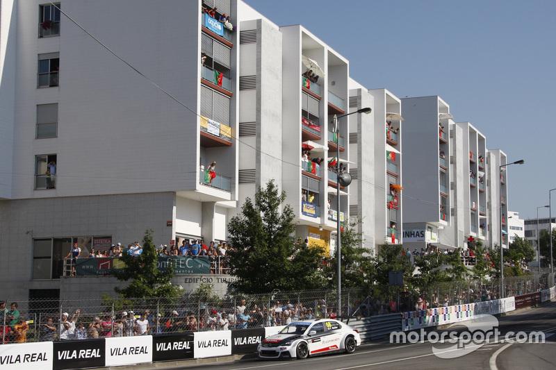 Yvan Muller, Citroën C-Elysée WTCC, tim Citroën World Touring Car