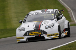 Motorbase tes di Brands Hatch