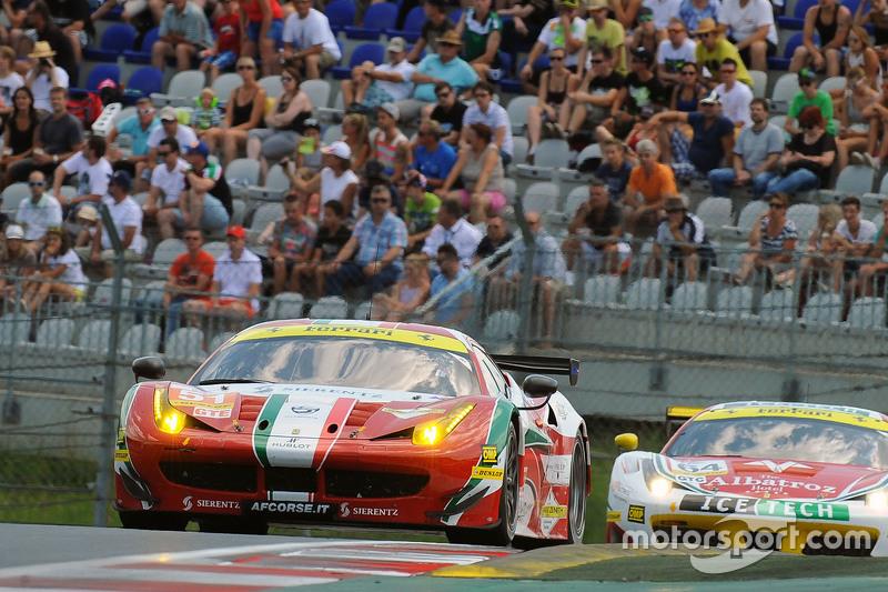 #51 AF Corse Ferrari F458 Italia: Peter Mann, Raffaele Giammaria, Matteo Cresсинi