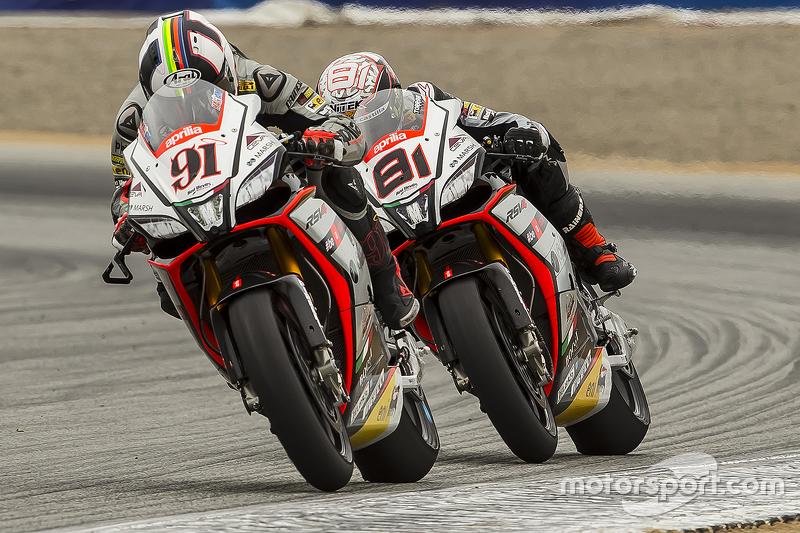 Leon Haslam, Aprilia Racing Team Red Devils; Jordi Torres, Aprilia Racing Team Red Devils