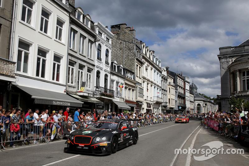 #83 Bentley Team HTP Bentley Continental GT3: Макс ван Сплунтерен, Fabian Hamprecht, Louis Machiels