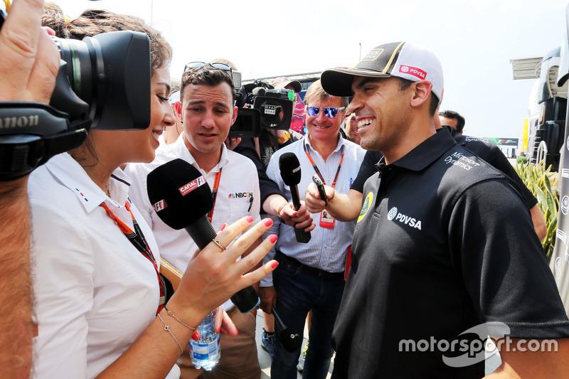 Пастор Мальдонадо, Lotus F1 Team з медіа