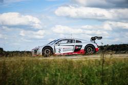#2 Belgian Audi Club Team WRT Audi R8 LMS: Frank Stippler, Стефан Ортеллі, Ніко Мюллер