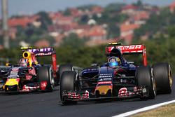 Карлос Сайнс мл., Scuderia Toro Rosso STR10 и Даниил Квят, Red Bull Racing RB11